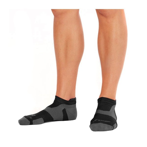 2XU Vectr Light Cushion No Show - Unisex Running Socks - Black/Titanium